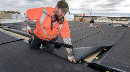 Mera bilder på att vi är Proffs på papptak och plåtslageriarbeten, sedumak, papptak tätskikt takläggare takpapp pvc-duk